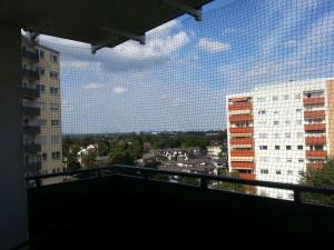 [Balkon mit Netz]