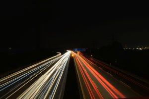 Autobahn mit Lichtern