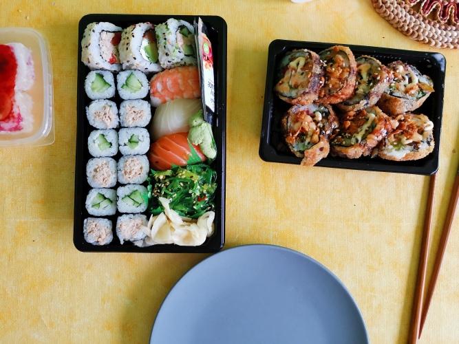 Sushi zum Mittagessen