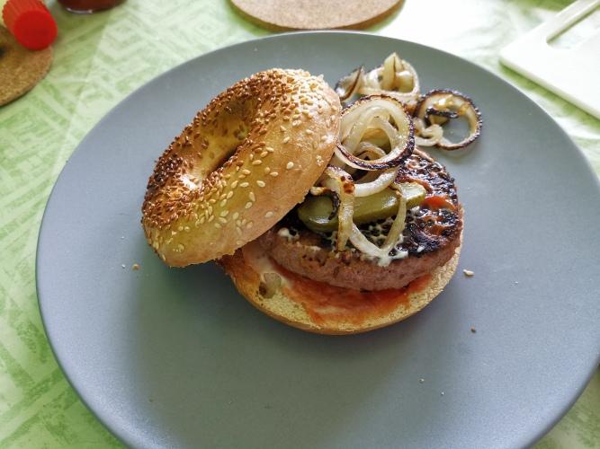 Hamburger auf Bagel